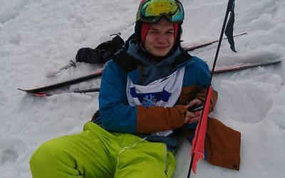 Artek chwilowo nie startuje, jego dyscyplina to snowboard, ale kibicuje swojemu …