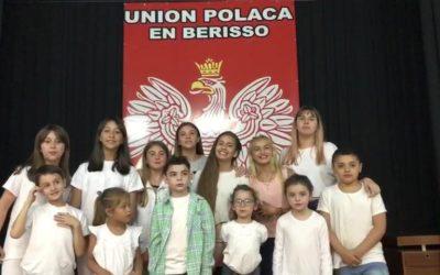 Życzenia od od młodych uczniów szkoły Polskiej w prowincji Berisso w Argentynie