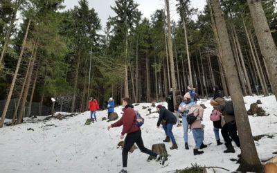 Chociaż w całej Polsce odnotowuje się rekordowo wysokie temperatury, nasza młodz…