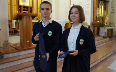 Święto Patrona Szkoły – św. Stanisława Kostki. Nowi uczniowie z wiarą i dumą pow…